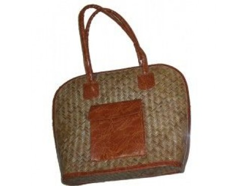 CANE-LEATHER LADIES HANDBAG WITH POCKETS