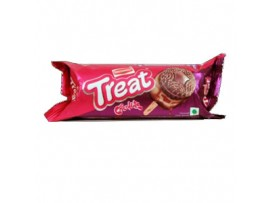 BRITANNIA TREAT CHOCOLATE CREAM BISCUIT 64GM