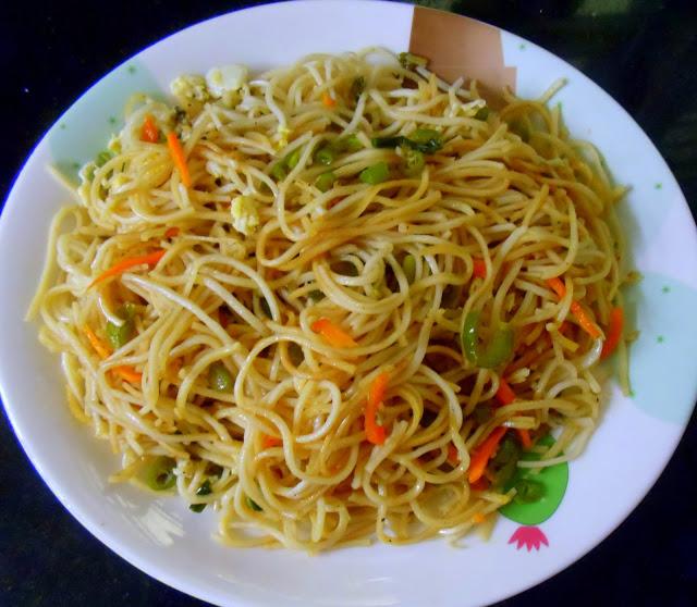 Egg-Noodles-Adukkala