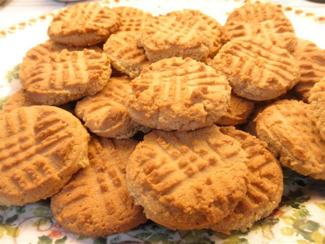 Wyatt-and-peanut-butter-cookies-003